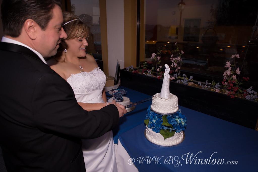 Garret Winslow- bywinslow.com Weddings140413-_G4W0617-Edit-Cut_Cake